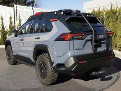 山岳救助で活躍する『RAV4 5D アドベンチャー』、豊田自動織機が提案…東京オートサロン2021