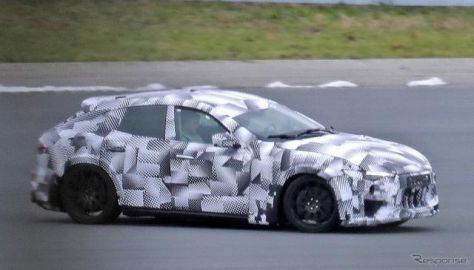 これがフェラーリ初のSUV!? マセラティ風の最新プロトタイプをスクープ