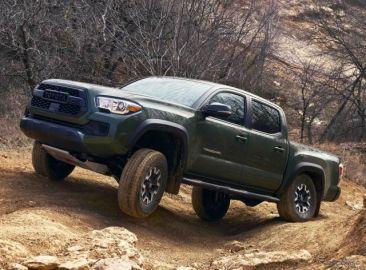 米トヨタのピックアップトラック、『タコマ』に「TRDリフトキット」…オフロード性能を追求