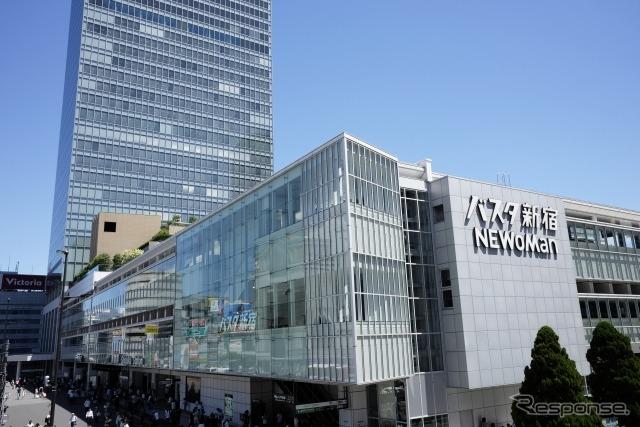 東京新宿の長距離バスターミナル、バスタ新宿(参考画像)《写真提供 写真AC》
