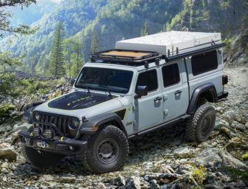 ジープのピックアップトラックをSUV化、ルーフに格納式テント 3月27日に実車発表