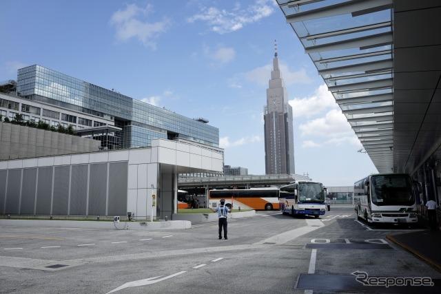 バスタ新宿(東京)《写真提供 写真AC》