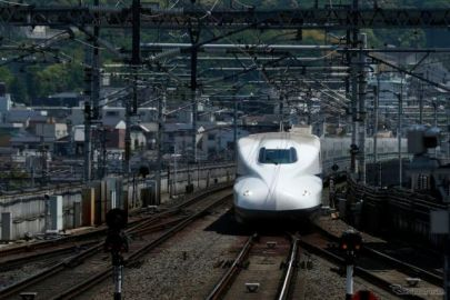 GW中の利用者、昨年比新幹線5倍、国内航空10倍…緊急事態は5月末まで延長へ[新聞ウォッチ]