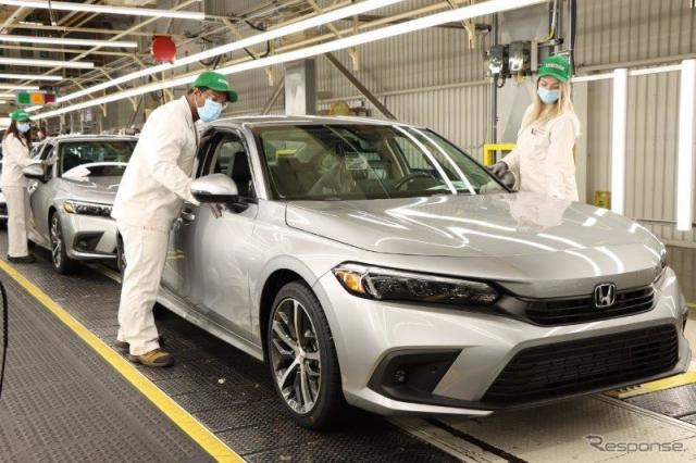 ホンダのカナダ・オンタリオ州アリストン工場で生産が開始されたホンダ・シビック・セダン 新型《photo by Honda》