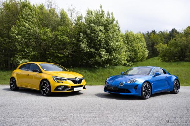 ルノー・メガーヌR.S.(向かって左)とアルピーヌA110《photo by Renault Group》