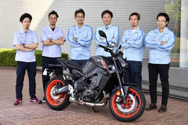 ヤマハ MT-09 新型(欧州仕様)と開発メンバー《写真撮影 雪岡直樹》