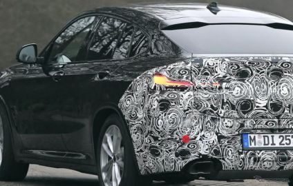 BMW X4 改良新型、X3とともに年内デビューへ…前後デザイン刷新か