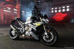 BMW S1000R フルモデルチェンジ、スーパースポーツ S1000RR のネイキッド仕様
