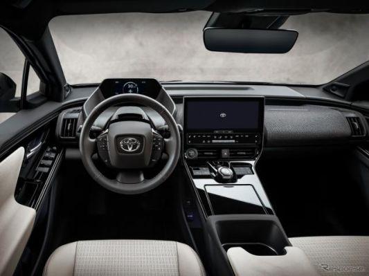 トヨタの新型EV『bZ4X』、米国は異形ステアリングホイールなし 市販版は2021年後半発表
