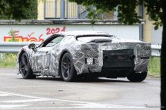 フェラーリのV6ハイブリッド、搭載エンジンは2.9Lの「クワドリフォリオ」用か?