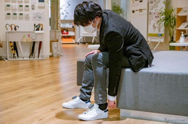 本体を装着したまま靴を脱いだり履いたりできるように設計されている。《写真提供 本田技研工業株式会社》