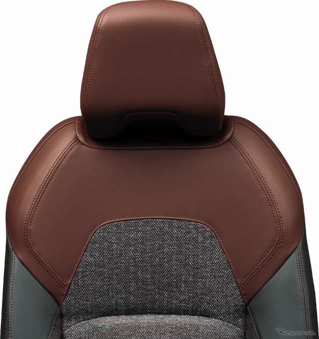 内装色ブラック シート地:ツイード調織物/合皮コンビツイード調織物《写真提供 日産自動車》
