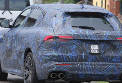 マセラティの新型SUV『グレカーレ』、スーパーカー MC20 のエンジン搭載の可能性!?