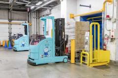 冷凍冷蔵型の無人フォークリフト 三菱重工グループとニチレイロジが共同開発