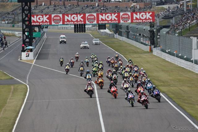 2021年 MFJ全日本ロードレース選手権シリーズ 第2戦 JSB1000クラススタートシーン《写真提供 モビリティランド》