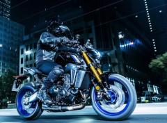 【ヤマハ MT-09 新型】エンジン刷新や軽量化、大幅進化の3代目---価格は110万円より