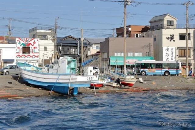三崎港付近を運行する京急バス《写真提供 京浜急行?鉄》