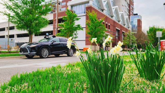 米トヨタと「メイモビリティ」の自動運転シャトルサービス用車両のレクサスRX 450h《photo by May Mobility》