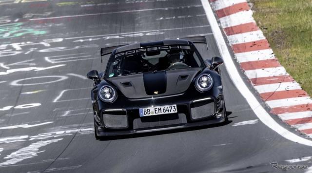 ポルシェ911 GT2 RS のニュルブルクリンク北コースのタイムアタック《photo by Porsche》