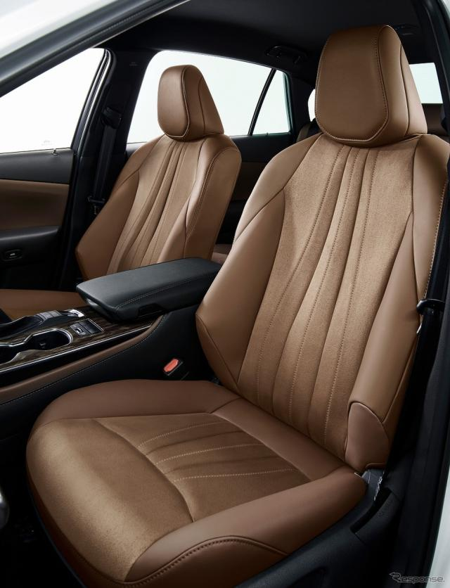 ブランノーブ+合成皮革シート表皮(コハク/コハクステッチ)《写真提供 トヨタ自動車》
