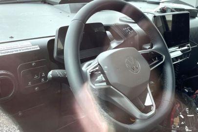 蘇る「ワーゲンバス」、VW ID.BUZZ 最新プロトタイプの内装を激写