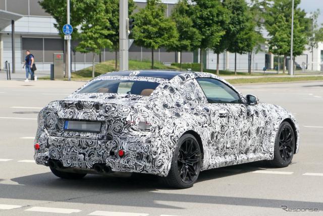 BMW M2 新型プロトタイプ スクープ写真《APOLLO NEWS SERVICE》