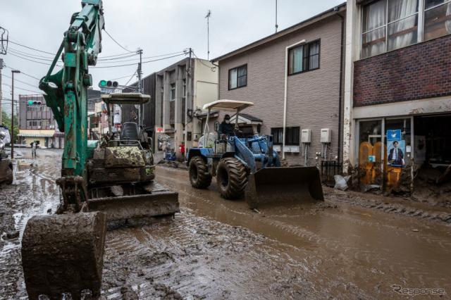 静岡県熱海市の土石流災害現場(7月4日)《Photo by Yuichi Yamazaki/Getty Images News/ゲッティイメージズ》