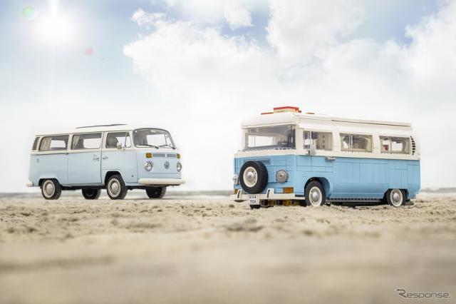 レゴ「フォルクスワーゲン・タイプ2バス・キャンピングカー」(向かって右)《写真提供 レゴジャパン》