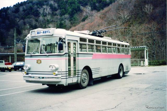関電トンネルトロリーバス100形(初代)《写真提供 大町プロモーション委員会》