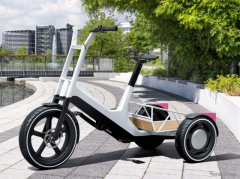 BMW、3輪電動アシスト自転車コンセプト発表---多用途性を追求
