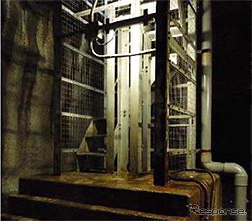 関越トンネル 立坑階段の写真《写真提供 東日本高速道路》