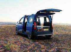 プジョー リフターを車中泊仕様に、無加工で取付可能な純正オプション登場