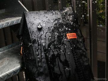 ドッペルギャンガー、バイク用防水バックパックの進化版を発売