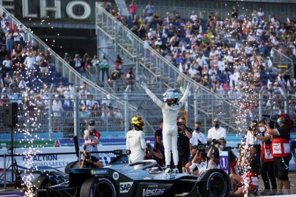 【フォーミュラE】世界選手権としての初シーズン、群雄割拠の大接戦を制してメルセデスのニック・デ・フリーズが戴冠