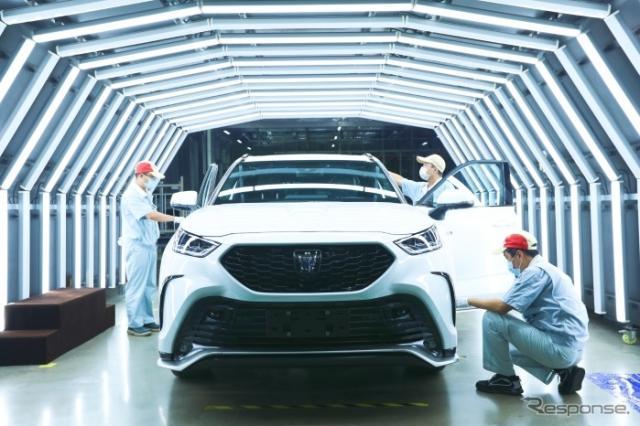 トヨタと第一汽車の合弁の一汽トヨタで生産が開始されたトヨタ・クラウン・クルーガー《photo by FAW》