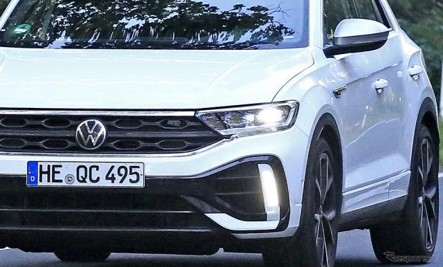 VW T-Roc R 改良新型プロトタイプ(スクープ写真)《APOLLO NEWS SERVICE》