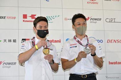 ルマン24時間レース優勝ドライバーにメダル授与…小林可夢偉に金メダル