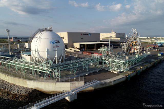 神戸液化水素荷役実証ターミナル《写真提供 HySTRA》