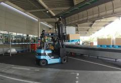 自動運転フォークリフトとトラックが連携、待ち時間短縮