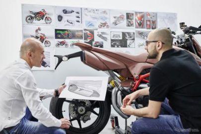 ドゥカティのパフォーマンスアクセサリー、新型車と同じ体制で開発