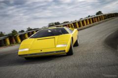 ランボルギーニ『カウンタック LP500』が1台のみの復刻、伊で初走行