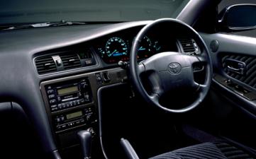 トヨタ クレスタ ルラーンG (1996年9月モデル)