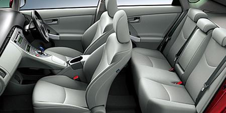 トヨタ プリウス S (2012年10月モデル)