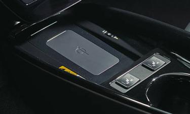 トヨタ プリウス E (2020年7月モデル)
