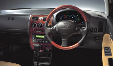 トヨタ デュエット 1.3V (2003年4月モデル)