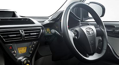 トヨタ iQ 100G (2012年5月モデル)
