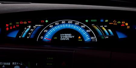 トヨタ エスティマハイブリッド X (2009年12月モデル)