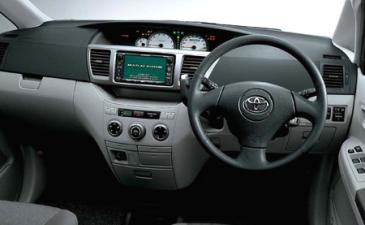 トヨタ ヴォクシー X Lエディション (2003年8月モデル)