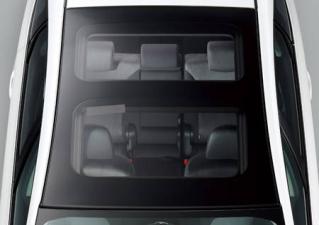 トヨタ プリウスα S (2011年5月モデル)