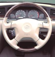 日産 ローレル 25メダリストプレミアターボ (2001年5月モデル)